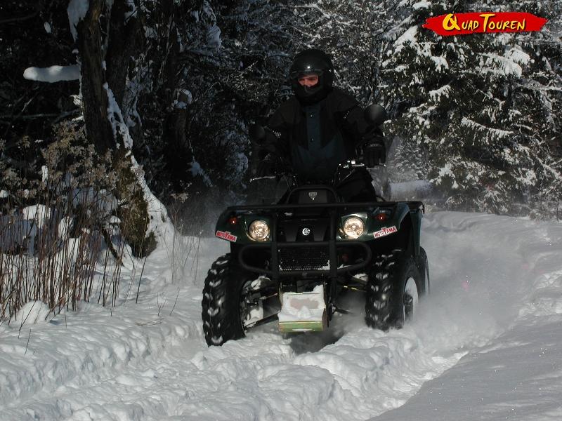 Quad fahren im Schnee